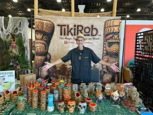 TikiRob Vending At Tiki Oasis